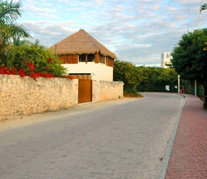 Clean pretty streets to walk or ride your bike through Akumal