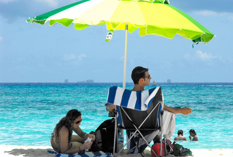 Romatic day with a perfect clear view of Cozumel